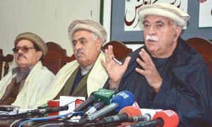 Achakzai wants exemplary action for Constitution violators