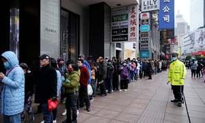 کورونا وائرس: چین کے دیگر شہروں میں بھی ٹرانسپورٹ معطل،عبادت گاہیں بند