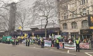 بھارت کے یومِ جمہوریہ پر لندن میں بھارتی ہائی کمیشن کے سامنے احتجاج