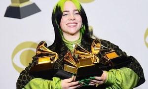 بلی آئلش ایک ساتھ 5 گریمی ایوارڈز جیتنے والی پہلی گلوکارہ
