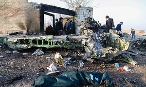 'حسن روحانی کے استعفے کی دھمکی پر ایرانی فوج نے طیارہ مار گرانے کا اعتراف کیا'
