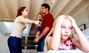 بچوں کی لڑائیاں ہو تو والدین کو کیا کرنا چاہیے؟
