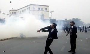 وکلا کو 'غنڈہ گردی' سے روکنے کے لیے حکومت کی منصوبہ بندی
