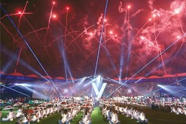 PSL V blasts off with colourful opening ceremony
