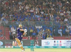 Azam on song as Quetta return to winning ways