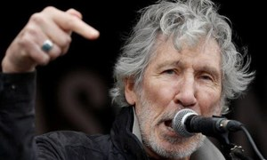 Prime Minister Imran tweets video of Roger Waters assailing Indian law