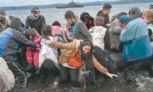 Greece blocks migrants on border with Turkey
