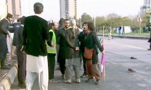 اسلام آباد: عورت مارچ اور یوم خواتین ریلی کے شرکا میں تنازع