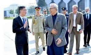 President Alvi garners praise from Chinese citizens for visiting amid coronavirus scare