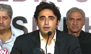 Bilawal wonders at PM decision of not ordering countrywide lockdown