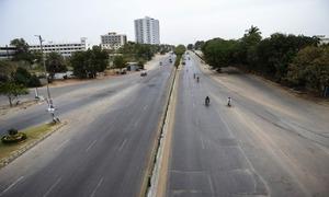 مختلف شہروں میں لاک ڈاؤن کے باعث سڑکیں سنسان، مارکیٹیں ویران