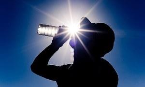 کورونا وائرس اور گرم موسم کےاثرات پر نئے سائنسی نتائج سامنے آگئے