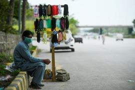 پاکستان میں کورونا وائرس کے باعث سڑکیں سنسان، معمولات معطل