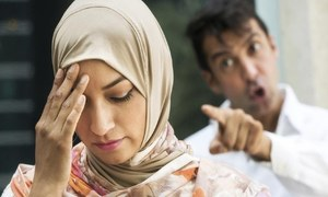 کورونا وائرس لاک ڈاؤن، شادی شدہ جوڑے کس طرح جھگڑے روکیں؟