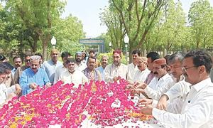 SUP, nationalist groups observe G.M. Syed's 25th death anniversary in low-key fashion