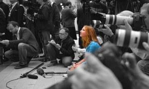 کورونا کی وبا و حکومتوں کی سختیاں آزادی صحافت پر 'قدغن'