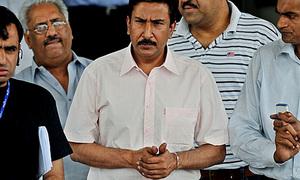 میچ فکسنگ تنازع: پی سی بی نے سلیم ملک کو سوال نامہ بھیج دیا