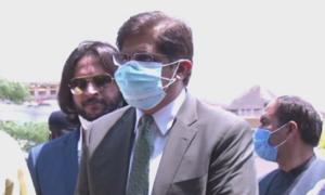 روشن سندھ پروگرام کیس: وزیراعلیٰ مراد علی شاہ نیب میں پیش، تحقیقاتی ٹیم کی تفتیش