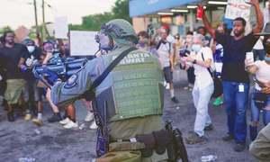 امریکا: پولیس کے ہاتھوں ایک اور سیاہ فام شخص کا قتل، تشدد میں مزید اضافہ