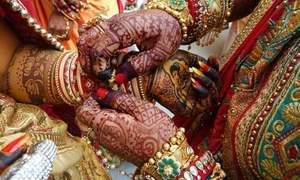 بھارت: کورونا سے ہلاک دولہے کی شادی، آخری رسومات میں شریک 100 افراد وائرس سے متاثر
