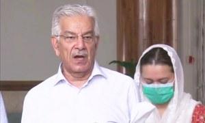 عمران خان نے کنٹینرز پر جو وعدے کیے شاید وہ بھول گئے لیکن عوام کو یاد ہیں، خواجہ آصف