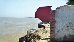 Indus erosion eats away at public abodes