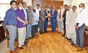South African envoy meets businessmen