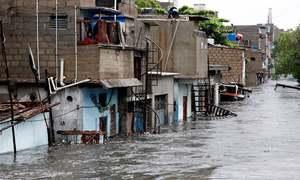 وفاق-سندھ رابطہ کمیٹی کی بیٹھک، کراچی میں نالوں سے 'غیرپختہ تجاوزات' ہٹانے کا فیصلہ