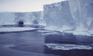 Antarctica ice shelves vulnerable to meltwater that could cut ice 'like a knife,' study finds