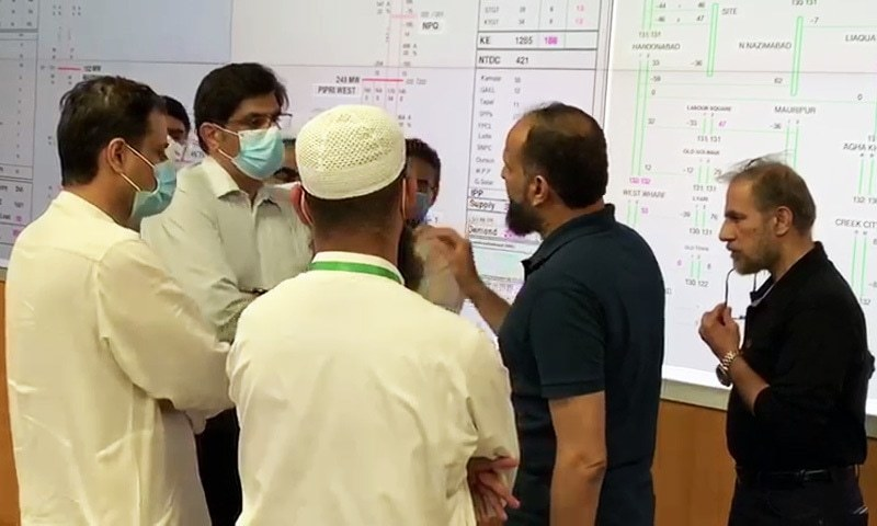 Sindh CM shows up at KE office amid continued power outages as 8 more die in rain-related incidents
