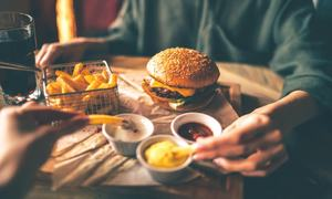Health alert: Eating out and Covid-19 risk