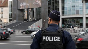 Paris cleaver attack suspect says wanted to target Charlie Hebdo