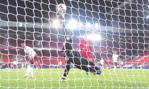Liverpool maintain perfect start with win over Arsenal