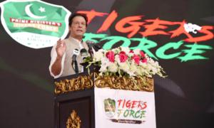 Charged up PM Imran hits back at Nawaz for 'maligning' military leadership