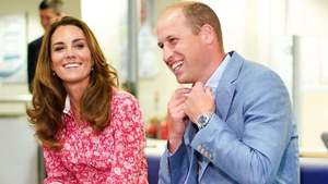 Prince William and Kate Middleton catch up with students from Pakistan