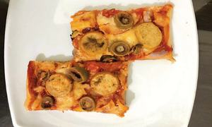 Cook-it-yourself: Puff pastry pizza
