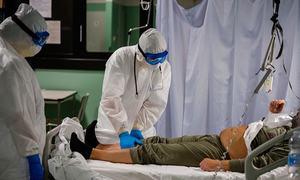 پشاور: ہسپتالوں کو کورونا مریضوں کیلئے بستروں کی تعداد بڑھانے کا حکم