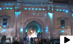 لاہور کے کشمیری بازار کی خاص بات کیا ہے؟