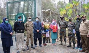 غلطی سے سرحد پار کرنے والی 2 کشمیری بہنوں کو بھارتی حکام نے واپس بھیج دیا