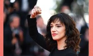 کم عمر لڑکے کے 'ریپ' میں ملوث اداکارہ کا فلم ساز پر استحصال کا الزام