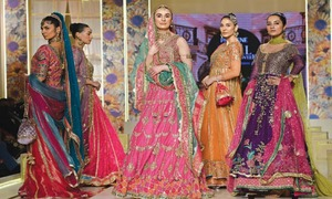Film, TV stars add sparkle to glitzy bridal show