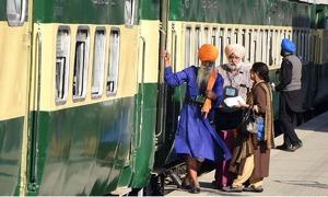 بھارت نے سکھ یاتریوں کو مذہبی تہوار میں شرکت کیلئے پاکستان آنے سے روک دیا