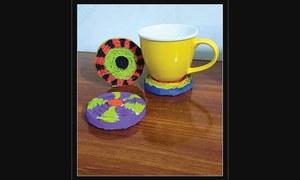 Wonder Craft: Newspaper cup coasters
