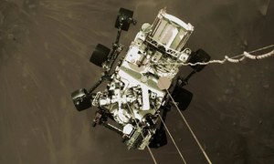 مریخ پر اترنے والے ناسا کے خلائی مشن کی اولین کلر تصاویر جاری