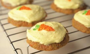 EPICURIOUS: CARROT CAKE FOR THE COOKIE MONSTER!