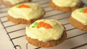 Carrot cake reinvented for the cookie monster