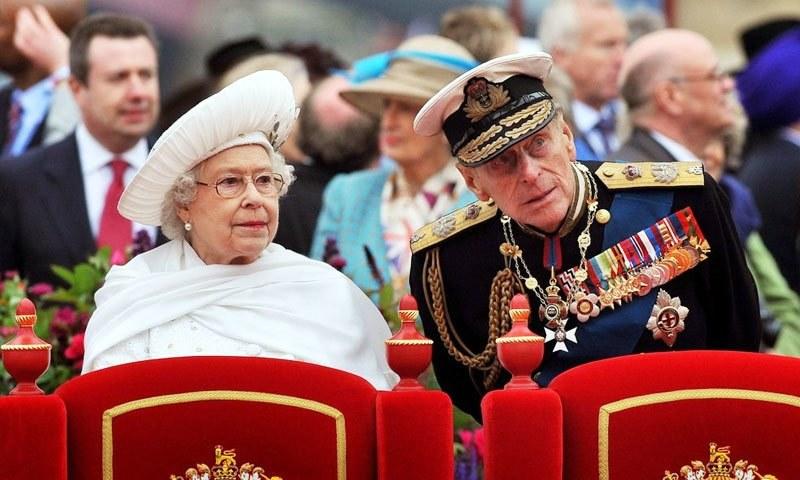 ڈنمارک کے دادا اور یونانی والد کے بیٹے شہزادہ فلپ برطانوی کیسے بنے؟
