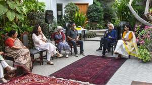 Friends, showbiz community pay homage to Haseena Moin