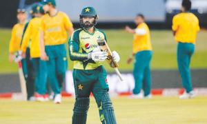 Brittle middle order batting worries Younis