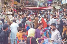 SOPs' violators get murgha punishment in Mirpurkhas markets